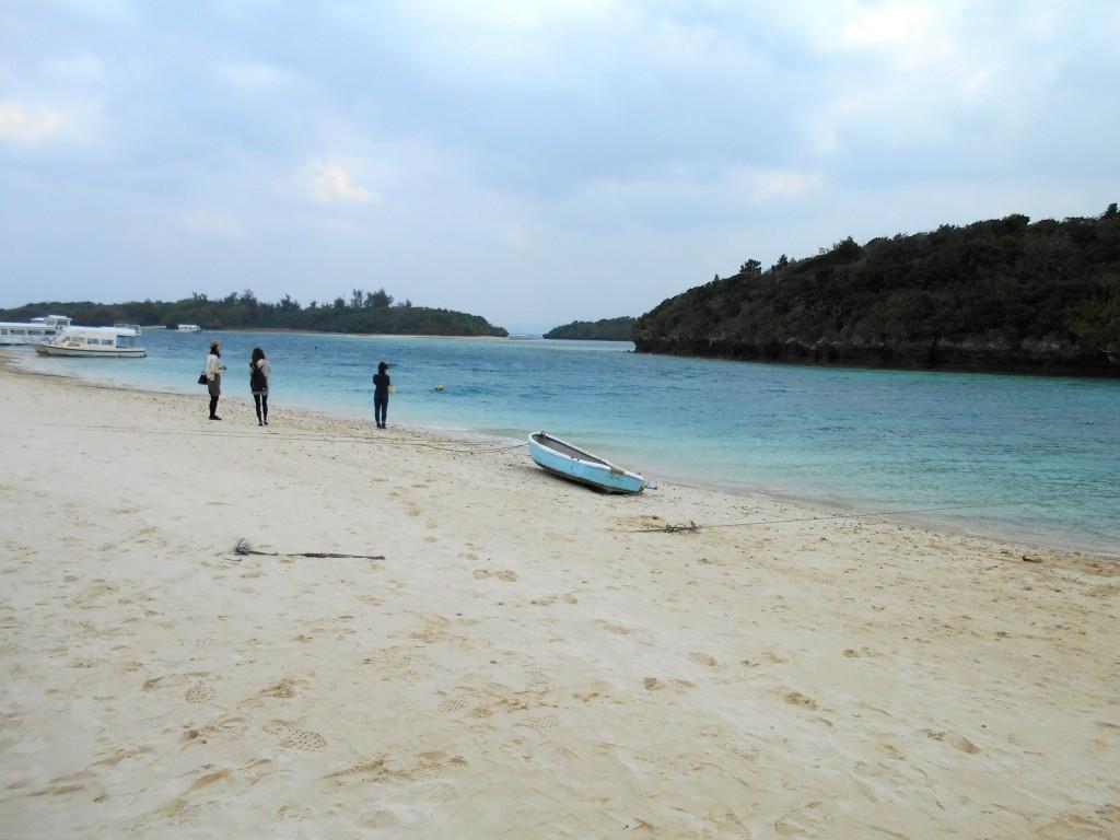 川平湾のビーチ