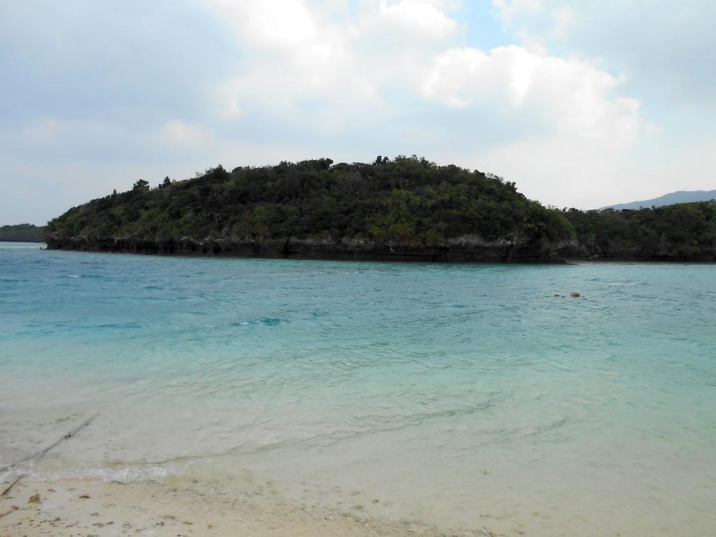 川平湾の透明度の高い海