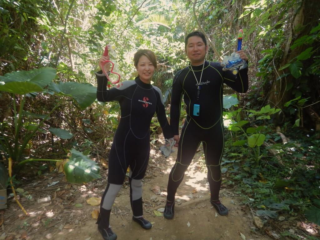 青の洞窟入り口ジャングル