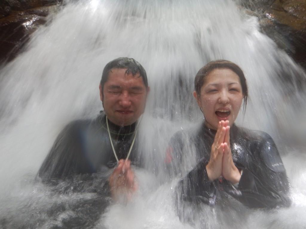 荒川の滝にて水遊び