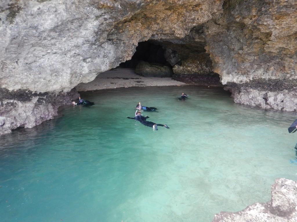 青の洞窟にてシュノーケル