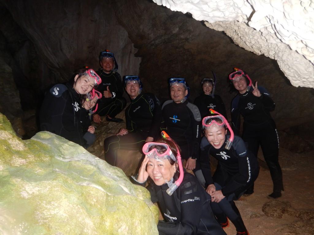 みんなで青の洞窟にきました!