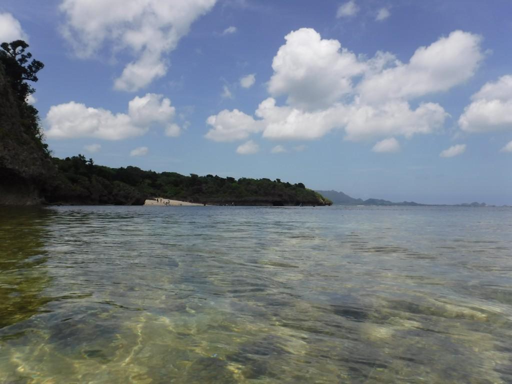 青の洞窟前から見た今日の石垣島の空
