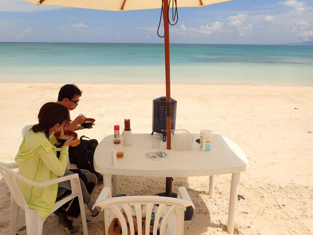 ビーチで美味しくお昼ご飯⭐︎