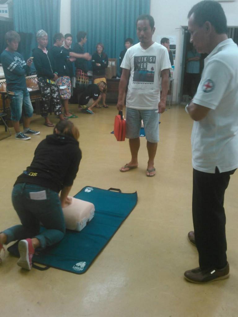 AEDの使用方法も学びます