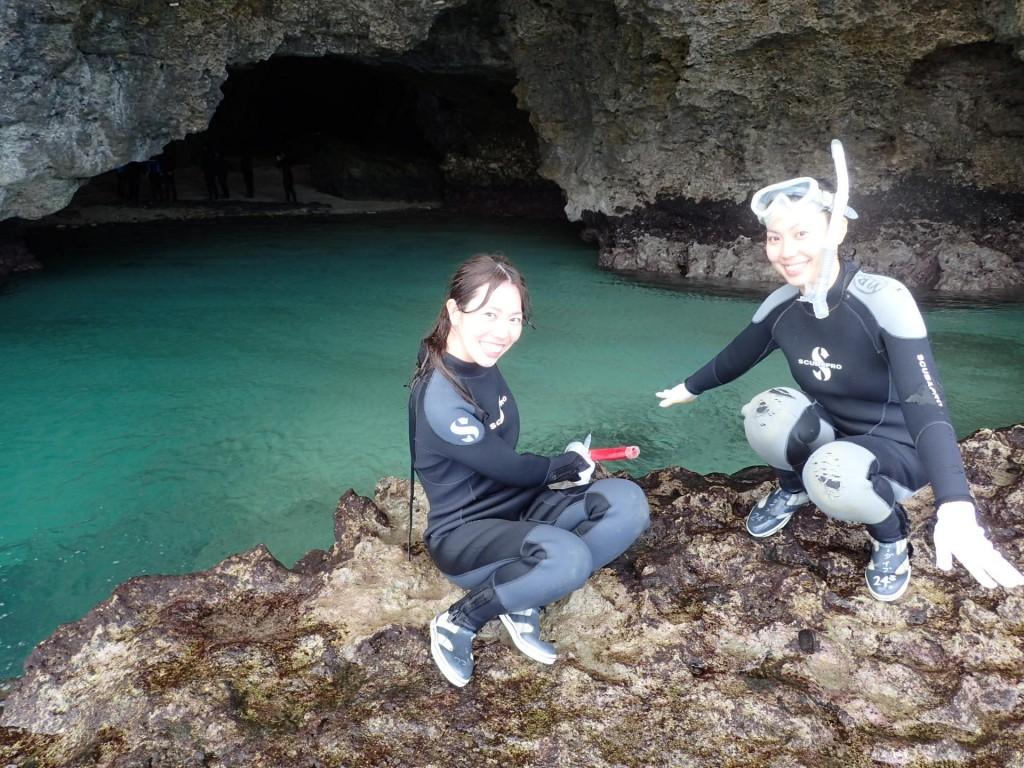 青の洞窟へ到着です!